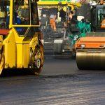 walec drogowy można prowadzić po kursie